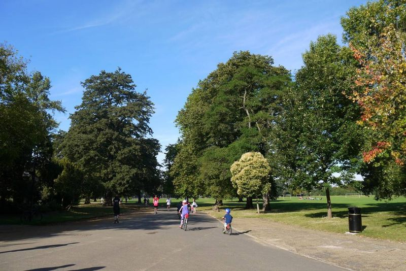 Dulwich park runners & cyclists