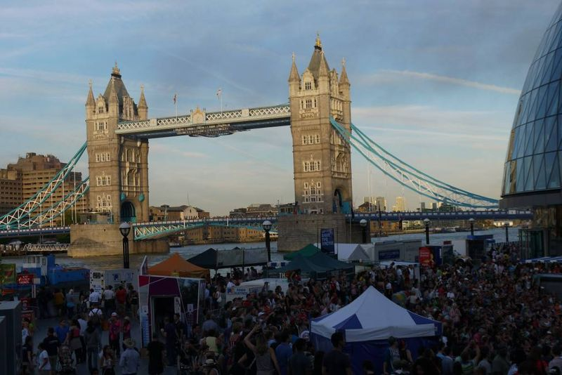 The Thames Festival & Tower Bridge - pictures of the river Thames