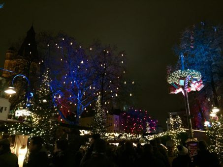 The sparkly Christmas lights at Cologne's Old Market