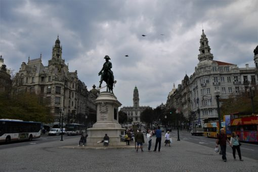 Porto's Monumento a Dom Pedro IV in front of the town hall